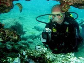 on a PADI Advanced Open Water course, learning about digital underwater photography