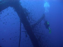 Exploring the wreck of the Arona in Gran Canaria